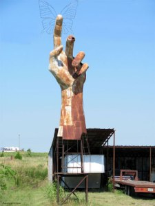 Farm-sculpture-in-Sulphur